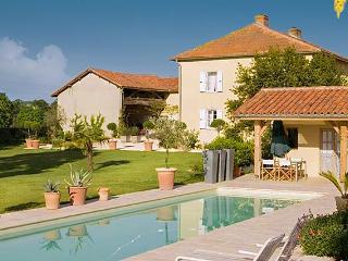 Treybo Farmhouse, Trie-sur-Baise