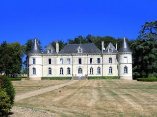 Chateau De Lanternes, Savigny-sous-Faye