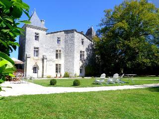 Chateau De Seyres, Sers
