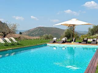 Palazzo Guglielmi Villa Sleeps 12 with Pool and Air Con - 5048963