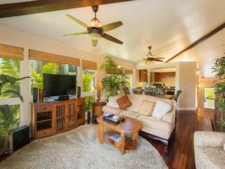 Villas of Kamali`i #20 - Beautiful townhouse, A/C, two master bedrooms, in gated community. Sleeps 6. *Free Economy Car, Princeville
