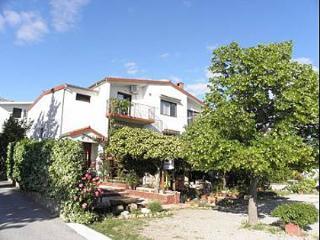 5565  A1(4+1) - Starigrad-Paklenica