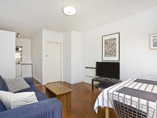 Sunny, Bright and Central St Kilda 2br!