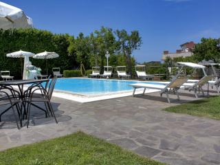 Three bedrooms apartment with pool and terrace, Sorrente