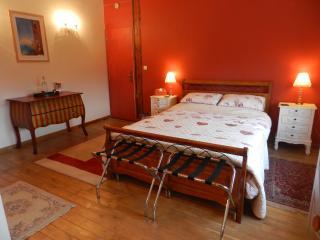 Le Grand Chemin (Burgundy Room