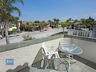 3 Bedroom Beach Condo Located on Peninsula Point! (68297), Newport Beach