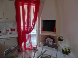 deco in red with fire place for the winter nights