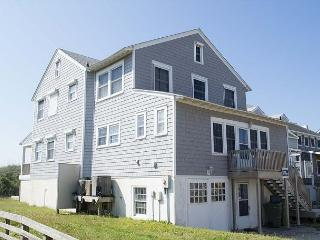 Pet Friendly Traditional Oceanfront Cottage with WiFi!, Atlantic Beach