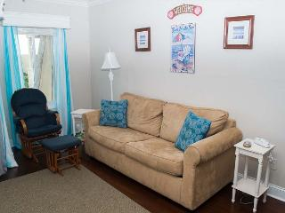 Recently updated oceanside condo in great, family oriented complex!