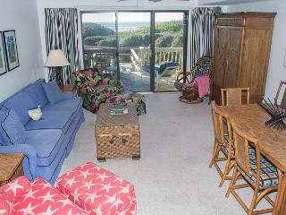4BR Spacious Oceanfront Condo with Plenty of Room to Spread Out!, Pine Knoll Shores