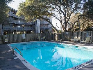 2 BR Oceanfront condo with great panoramic views!!