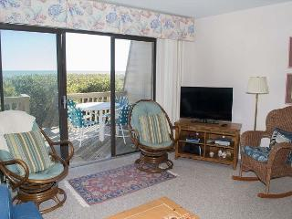 Oceanfront Condo with Great Amenities!, Pine Knoll Shores
