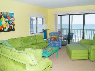 Tastefully Decorated 3rd Floor Oceanfront Condo! Great Views!