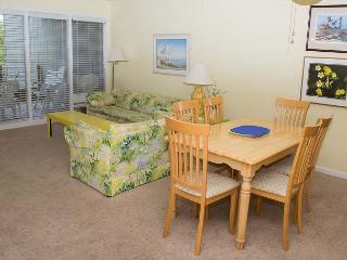Multi-level Oceanside Condo with plenty of room to 'spread out'!, Atlantic Beach