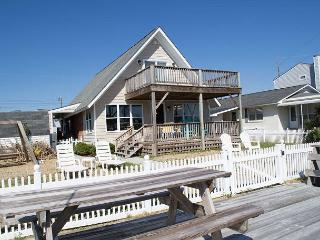 Beautiful House Overlooking the Canal on the Sound!, Atlantic Beach