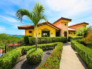 Gated Community Villas Catalina Townhome 16: Incredible Ocean Views!, Playa Potrero