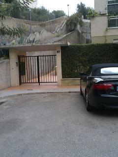 Entrada complejo/Zona aparcamiento