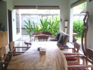 Tri Villa Bali, Seminyak