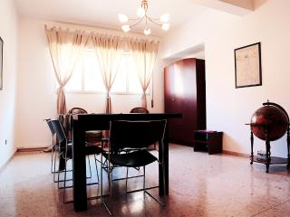 Magnificent 3-Bedroom Home in Trastevere, Roma