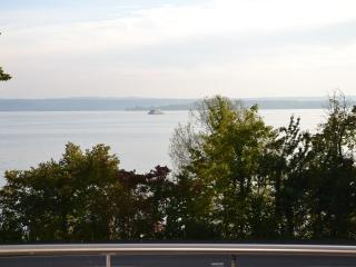 Vacation Apartment in Meersburg - 840 sqft, 2 bedrooms, max. 4 pers. (# 6838), Meersburg (Bodensee)
