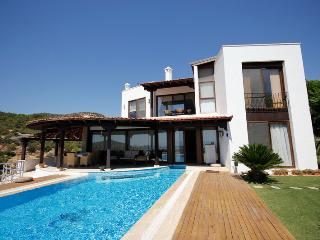 457-Bodrum Center 5 Bedroomed Vacation Villa