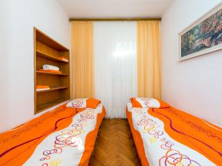 Old City Inn - Twin Room with Shared Bathroom - Naljeskoviceva Street, Dubrovnik