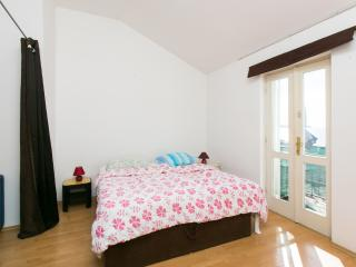 Nature Therapy Rooms- Comfort Triple Room with Balcony and Sea View, Mlini