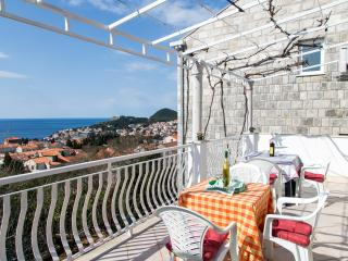Apartment Angelina - Three Bedroom Apartment with Balcony and Sea View, Dubrovnik