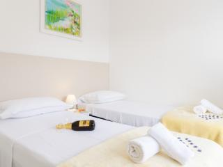 Apartments Kapelica- Twin or Double Room with Terrace and Sea View