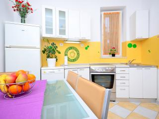 Central apartment Istarska, Split