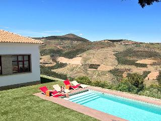 House of Learning - Douro Valley near Pinhao - Sleeps 8-11 - Games Room & Aircon