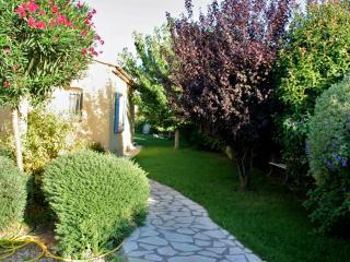 T2 de plain pied dans maison à La Coudoulière avec jardin