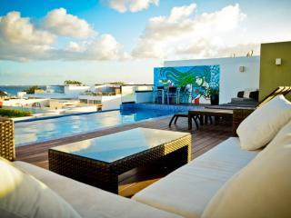 Condo con terraza privada e increíble piscina