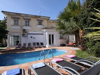 Puerto Banus centre. 5 bed 4.5 bath. Private pool