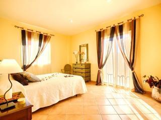 Apartamentos Sierra Tejeda Los Arcos, Alcaucin
