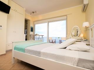 Seemore Studios Eros - Superb Seaview Studio, La Canea