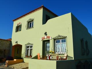Villa with great sea view ,surrounded by nature,11 people capacity, Tavronitis