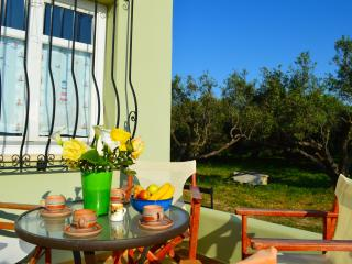Apartment in Panselino villa with panoramic view,1bedroom,surrounded by nature