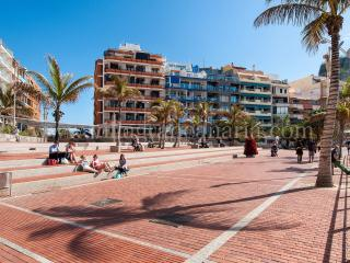 Apartment at Las Canteras BEACH FRONT  LZ84H
