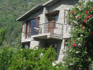 The Secret Cottage: Holiday Retreat, Manali