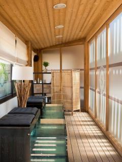Spa et bien être, massage, bar à ongles, sauna, hammam