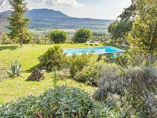 Il Campaniletto Forano Splendid Villa  with swimming pool close to Rome