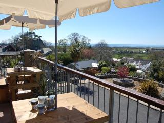 Cae Cerrig Holiday Home with HOT TUB, Talybont
