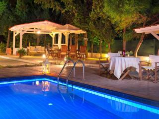 Neben Sandy beach Villa Giovanni, Faliraki