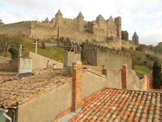Monet magnificent views of  castle ramparts, Carcassone