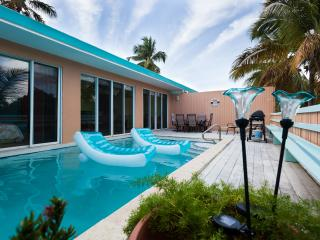 Romantic Villa - Private Pool, East End