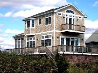 Oceanfront Beachhouse--Stunning Views--WiFi