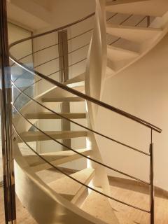 scala per accesso all'appartamento attico vista mare
