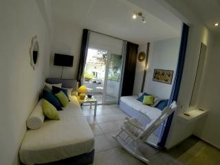 Lovely apartment with garden,N.Marmaras (sleeps 5), Neos Marmaras