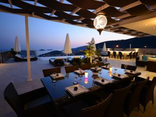 Villa Amycha, Kalkan with Daily Maid & Heated Pool